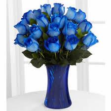 gül mavi renk cam vazoda